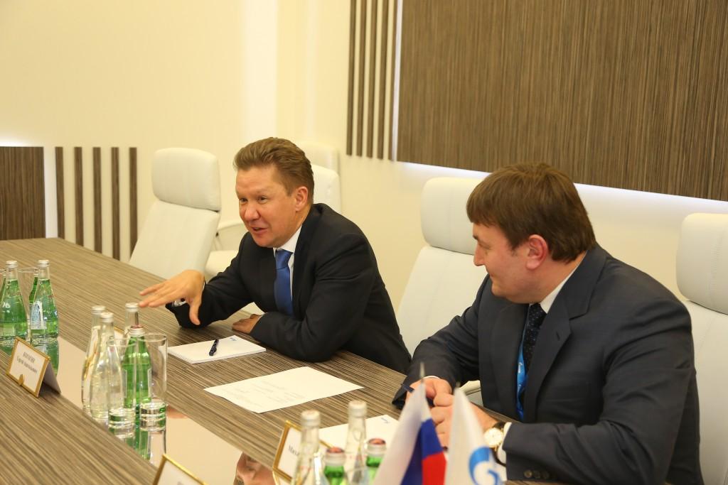 Алексей Миллер (слева)