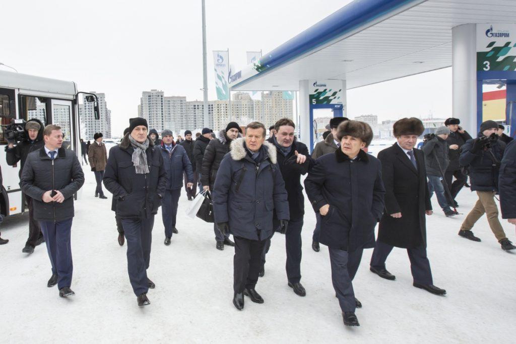 Виктор Зубков (в центре), Рустам Минниханов (второй справа) и Виталий Маркелов (второй слева)